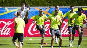 Vor dem EM-Halbfinale gegen Frankreich: Höwedes und Schweinsteiger sind beim Abschlusstraining dabei