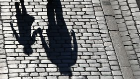 Jeder zweite Vater zahlt nicht: Alleinerziehende sind immer häufiger von Armut bedroht