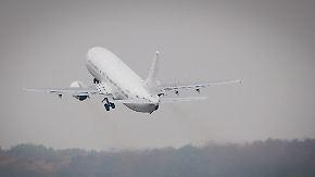 Teure Abschiebung: Drei Asylbewerber per Privatjet nach Afrika ausgeflogen