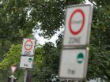 """In vielen deutschen Städten dürfen """"Stinkerautos"""" eigentlich nicht mehr fahren."""