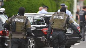 SEK-Einsatz in Stuttgart: Beamte entdecken zwei Leichen in Kanzlei-Keller