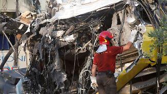 Viele Tote bei Unglück in Italien: Letzte Menschen aus Zügen befreit