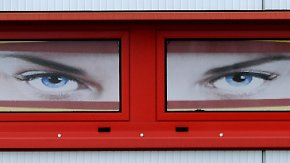Telefonterror und Verfolgung: Stalking-Opfer werden besser geschützt