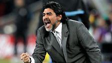"""""""1990 hat uns die Mafia den Titel geklaut"""": Diego Maradona feiert seinen 50."""