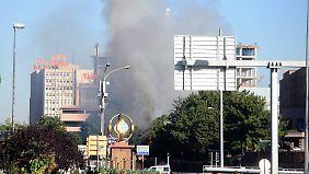 Dunkler Rauch über Ankara: Erdogan schwört nach blutigem Putschversuch Rache