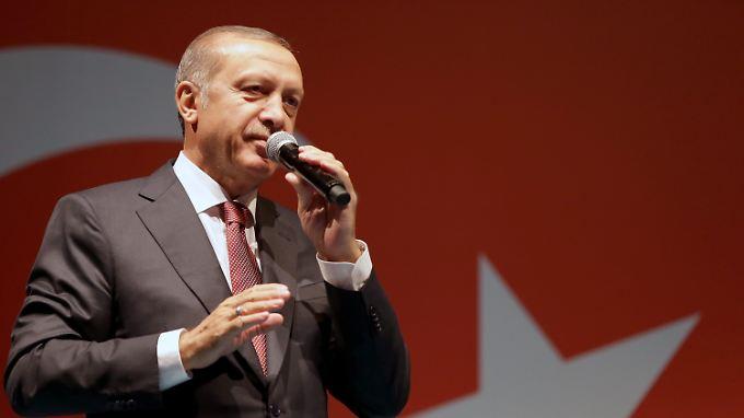 Steinmeier mahnt zur Verhältnismäßigkeit: Türkische Führung ruft Ausnahmezustand aus