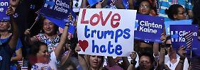Wie einigt man eine Partei?: Clinton wird es machen wie Trump