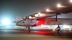 Mit der Sonne um die Erde: Solar Impulse 2 landet nach Weltumrundung in Abu Dhabi