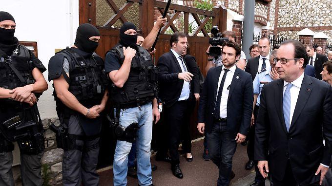 """Ein Priester und zwei Täter tot: Hollande: Geiselnahme in französischer Kirche ist """"Terroranschlag"""""""