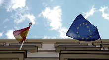 Nach dem Willen der EU-Kommission müssen Spanien und Portugal vorerst keine Geldbußen fürchten.