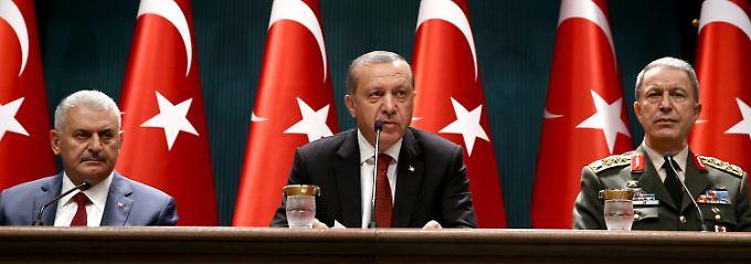 Nach gescheitertem Putschversuch: Erdogan will Kontrolle über Geheimdienst