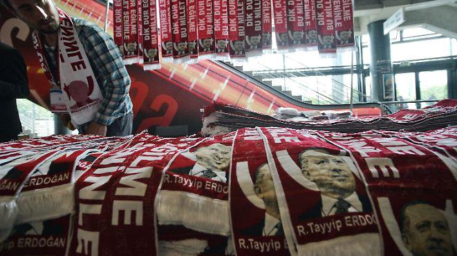 Sorge vor Ausschreitungen: Bis zu 30.000 Teilnehmer bei Pro-Erdogan-Demo in Köln erwartet