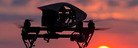 Quadrocopter heißen Drohnen mit vier Rotoren.