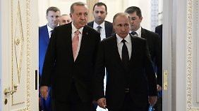 """Böse Mienen in St. Petersburg: """"Freunde"""" Putin und Erdogan zeigen sich zurückhaltend"""