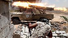 Schusswechsel mit dem IS in Sirte. Nach wie vor kontrollieren rund 1000 Dschihadisten die Wohnviertel der Stadt.