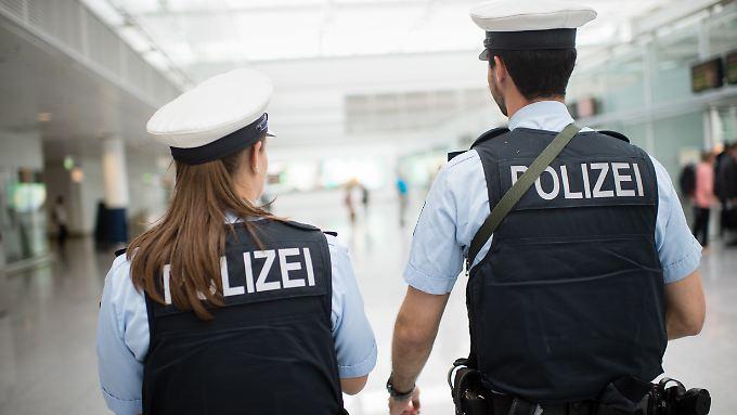 Deutschland braucht mehr Polizei - in diesem Punkt scheint weitgehend Einigkeit zu herrschen.