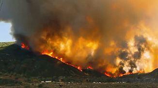 Flammen und Fluten in den USA: Kalifornien und Louisiana rufen Notstand aus
