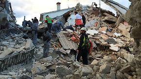 Amatrice zur Hälfte eingestürzt: Heftige Erdstöße lassen Zentralitalien beben