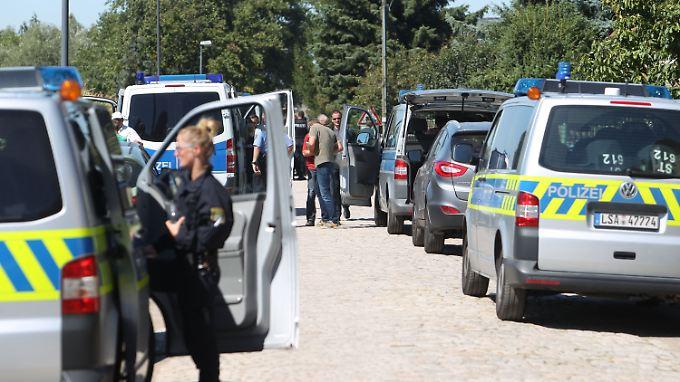 Gewaltsame Auseinandersetzungen zwischen Reichsbürgern und Behörden gab es schon häufig. In Sachsen-Anhalt ereignete sich in Reuden zuletzt eine Schießerei.