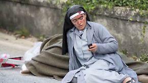 Nonne wird Symbol der Hoffnung: Nachbeben erschweren weiterhin die Suche nach Verschütteten