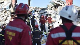 Zahl der Todesopfer steigt weiter: Hunderte Nachbeben erschweren die Suche nach Verschütteten