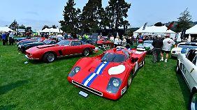 Selbst auf dem Golfrasen steht auf der Monterey Car Week das nicht mehr so begehrte alte Blech.