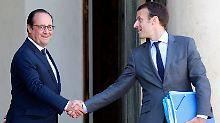 Hollande (l.) muss sich vorkommen wie der Zauberlehrling, der die Kontrolle über seine Geister (Macron, r.) verloren hat.