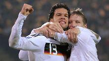 Viele gemeinsame Spiele für Deutschland: Michael Ballack und Bastian Schweinsteiger (Archivbild von 2008).
