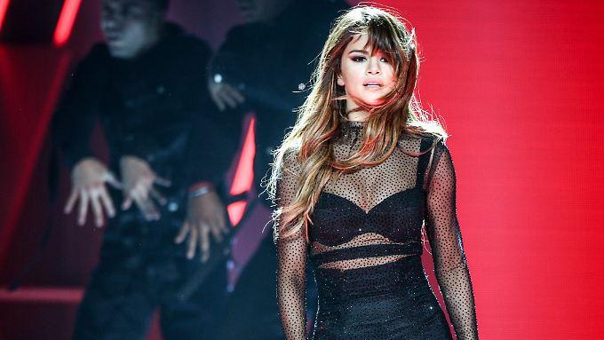 Konzertbilder wie dieses vom 9. Juli 2016 in Los Angeles wird es von ihr vorerst nicht mehr geben: Selena Gomez.