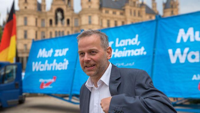 Leif-Erik Holm lebt im Prenzlauer Berg und tritt in Mecklenburg-Vorpommern an.