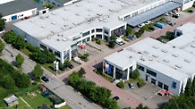 Blick auf das Lübecker Firmengelände von SLM Solutions.