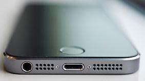 Neues iPhone ohne Ohrhörer-Buchse?: Wilde Gerüchte kursieren um Apple-Präsentation