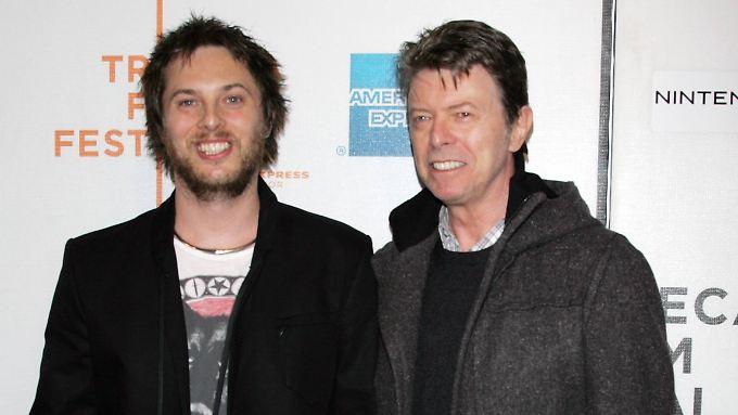 Vater und Sohn 2009 in New York: Duncan Jones und David Bowie.