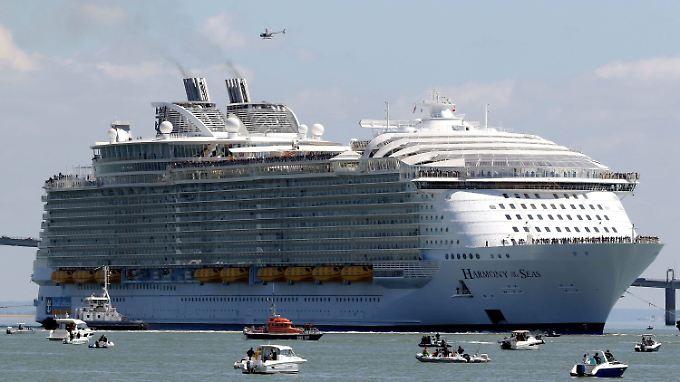 Die Harmony of the Seas gehört zu Royal Caribbean Cruises und das bisher größte Kreuzfahrtschiff, das je gebaut wurde.