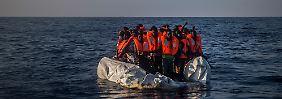 Überlegungen im Innenministerium: Boote sollen zurückgeschickt werden