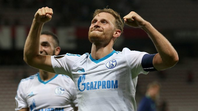 Von Gelsenkirchen nach Turin? Die Zeichen für einen Wechsel des Ex-Schalke-Kapitäns Benedikt Höwedes verdichten sich.
