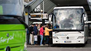 Flixbus vor Monopolstellung: Deutsche Bahn zieht sich aus Fernbusmarkt zurück