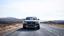 Kombi mit Offroad-Ambitionen: Volvo V90 kommt als Cross Country
