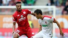 Augsburgs Ja-Cheol Koo hatte beim Spiel gegen Mainz Pech.
