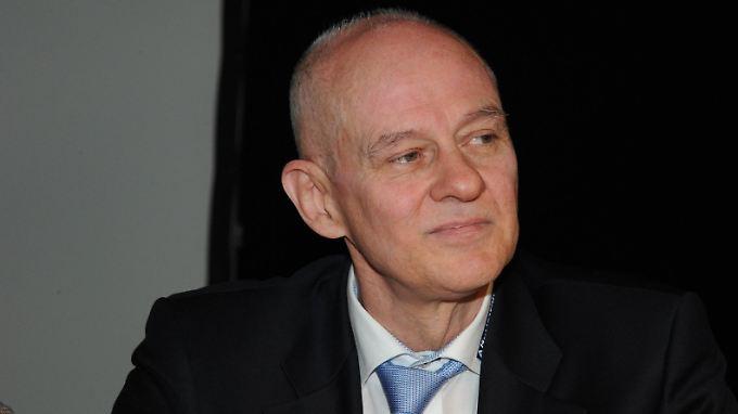 AfD-Spitzenkandidat Rudolf Müller will nicht gewusst haben, dass der Verkauf von Hakenkreuz-Orden verboten ist.