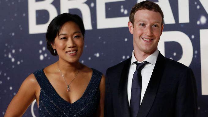 Zuckerberg und seine Frau Priscilla Chan wollen im Laufe ihres Lebens nach eigenen Aussagen 99 Prozent ihres gewaltigen Vermögens spenden.