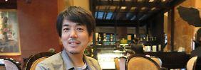"""Takanobu Nishimoto erfand die """"Miet-Onkel"""" und ist selbst einer."""