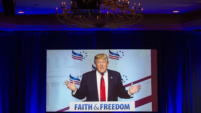 """""""Emotionen entscheiden, damals wie heute"""": Donald Trump weiß, wie man Menschen bewegt."""