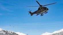 """Bei dem abgestürzten helikopter soll es sich um einen """"Super Puma"""" der Schweizerischen Armee handeln."""