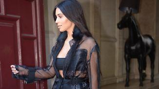 Kim Kardashian Auftritt zur Pariser Fashion Week- in einem Hauch von Nichts.