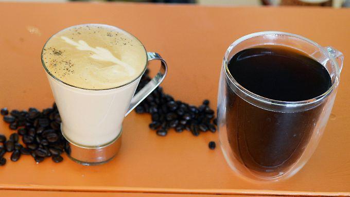 Ob schwarz oder mit Milch: Kaffee hat viele Wirkungen auf den Körper.