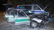 Wahrscheinlich politisches Motiv: Brandanschlag auf Polizeiautos in Dresden