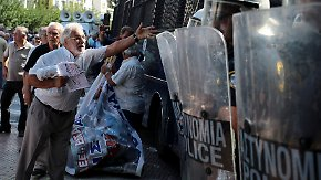 Tränengas in Athen: Rentner-Demonstration gegen Tsipras' Sparprogramm eskaliert