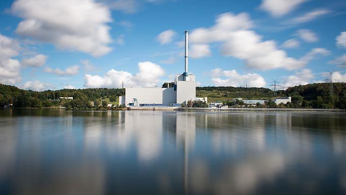 Vattenfall akzeptiert laut eigener Darstellung den deutschen Atomausstieg. Für die Stillegung des Kernkraftwerks Krümmel will der Konzern aber eine saftige Entschädigung.