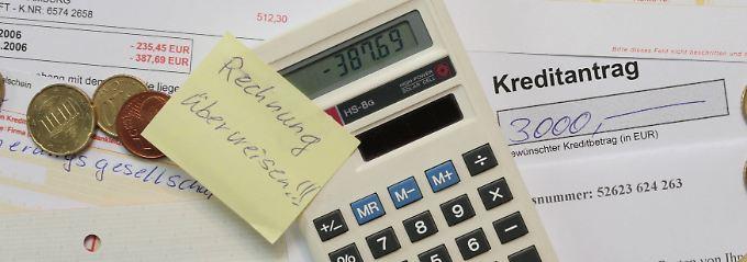 Wenn die Bank auf den Abschluss einer Restkreditversicherung drängt, ist Vorsicht angesagt.